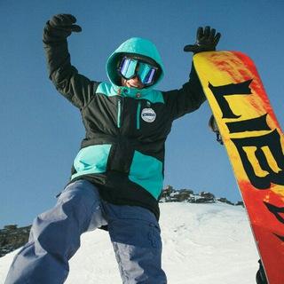 Инструктор по сноуборду и горным лыжам